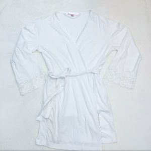 Victoria's Secret white short robe with lace trim